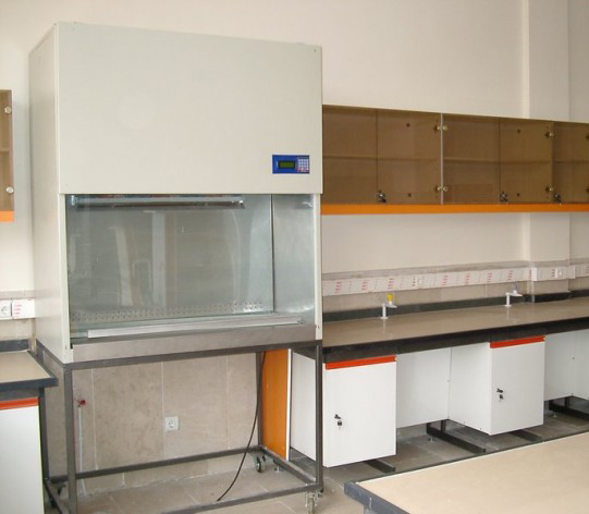 کاربردهای هود آزمایشگاهی